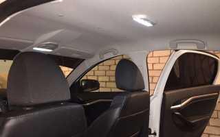 Установка плафона освещения задних пассажиров на весту